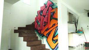Tag intérieur dans une cage d'escalier